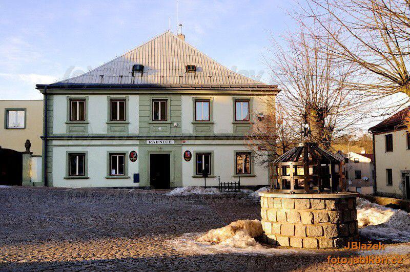 Pilníkov - radnice 2011